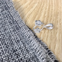Khoen bạc móc mặt họa tiết hoa mai 5 cánh