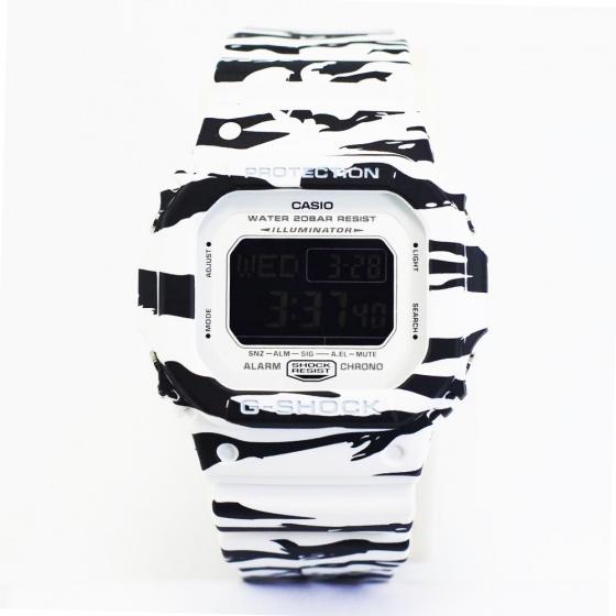 Đồng hồ nam G-Shock DW-D5600BW-7CR - Hàng nhập khẩu