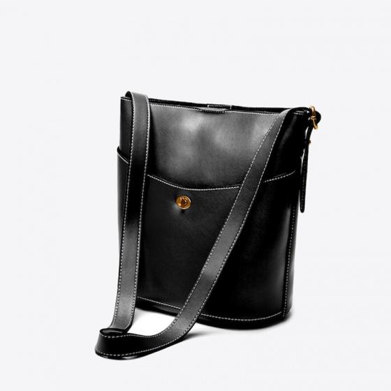 Túi xách nữ Pazzion Twist Lock Clasp Buckle 6601 - BLACK
