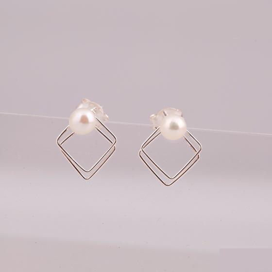 Opal - hoa tai bạc kết hợp ngọc trai trẻ trung - HT 02
