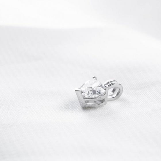 Mặt dây chuyền vàng trắng đính đá DOJI 14K 0819P-LAL444