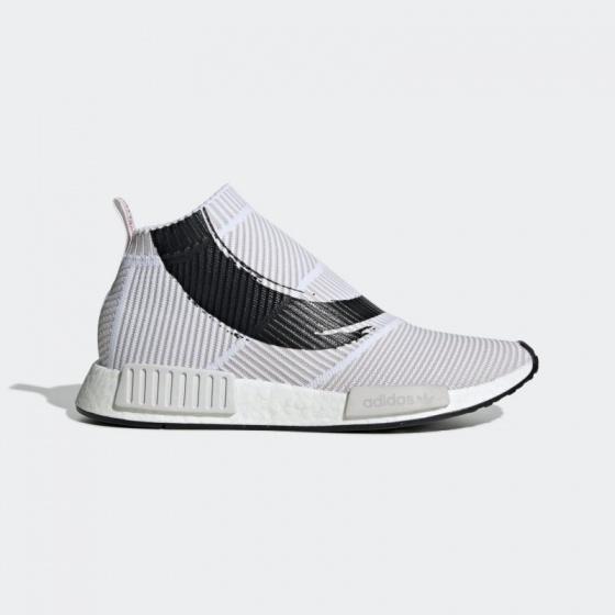 Snearker house - Thế giới giày thương hiệu