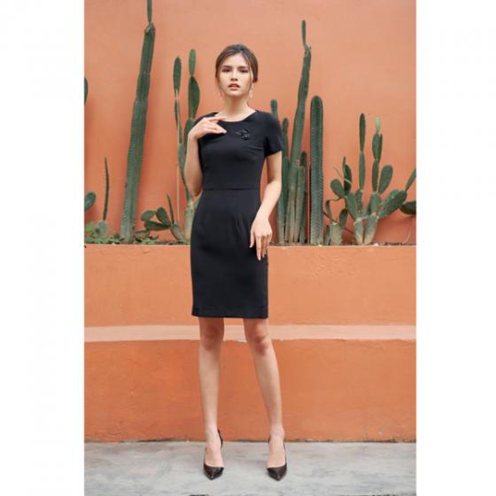 Đầm liền màu đen HeraDG - SDC18061
