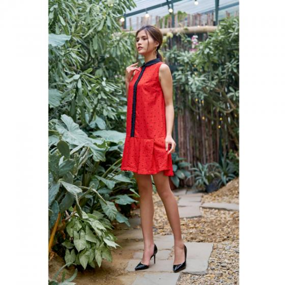 Đầm tơ đỏ chấm đen HeraDG - SDC19084
