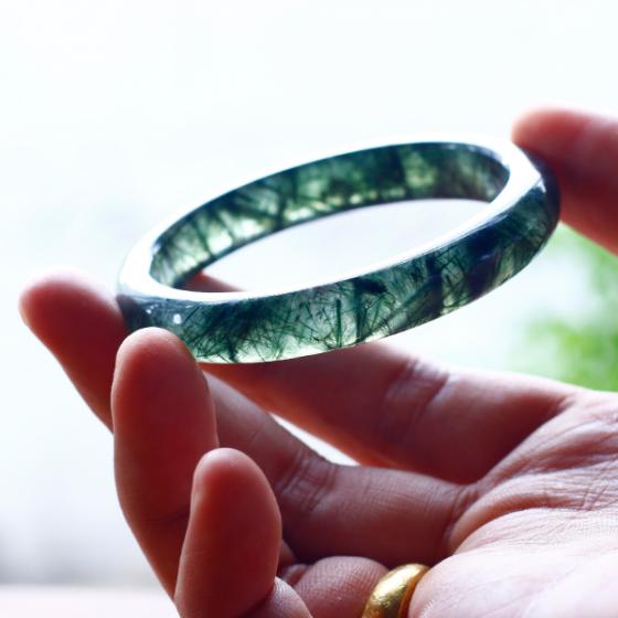 Vòng tay đá thạch anh tóc xanh liền khối ni58 mẫu 1 - Ngọc Quý Gemstones
