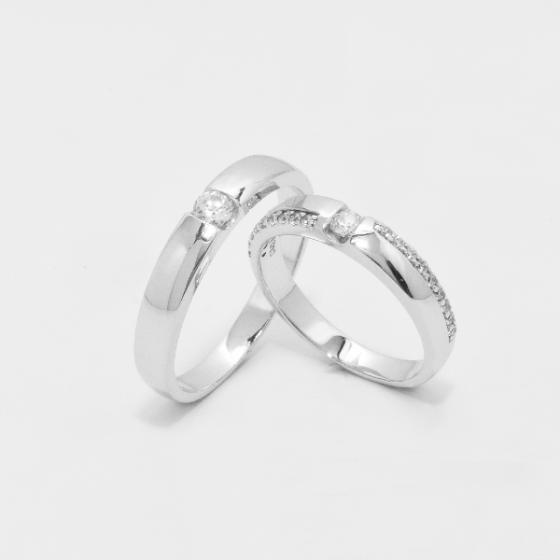 Cặp nhẫn đôi vàng trắng DOJI cao cấp 14K đính đá Swarovski 1643