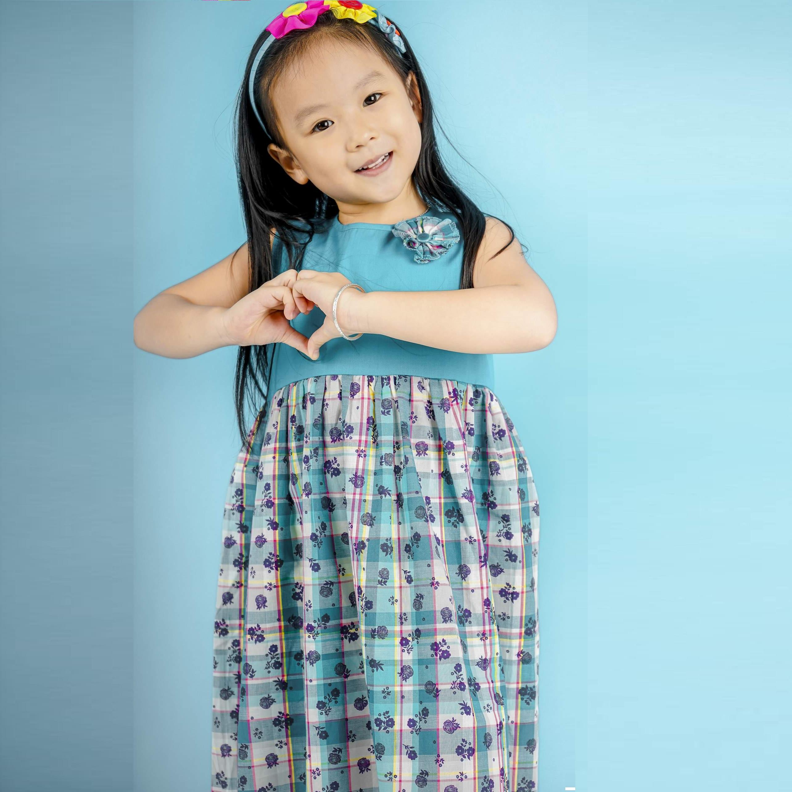 Đầm hoa bé gái phối nơ – UKID88