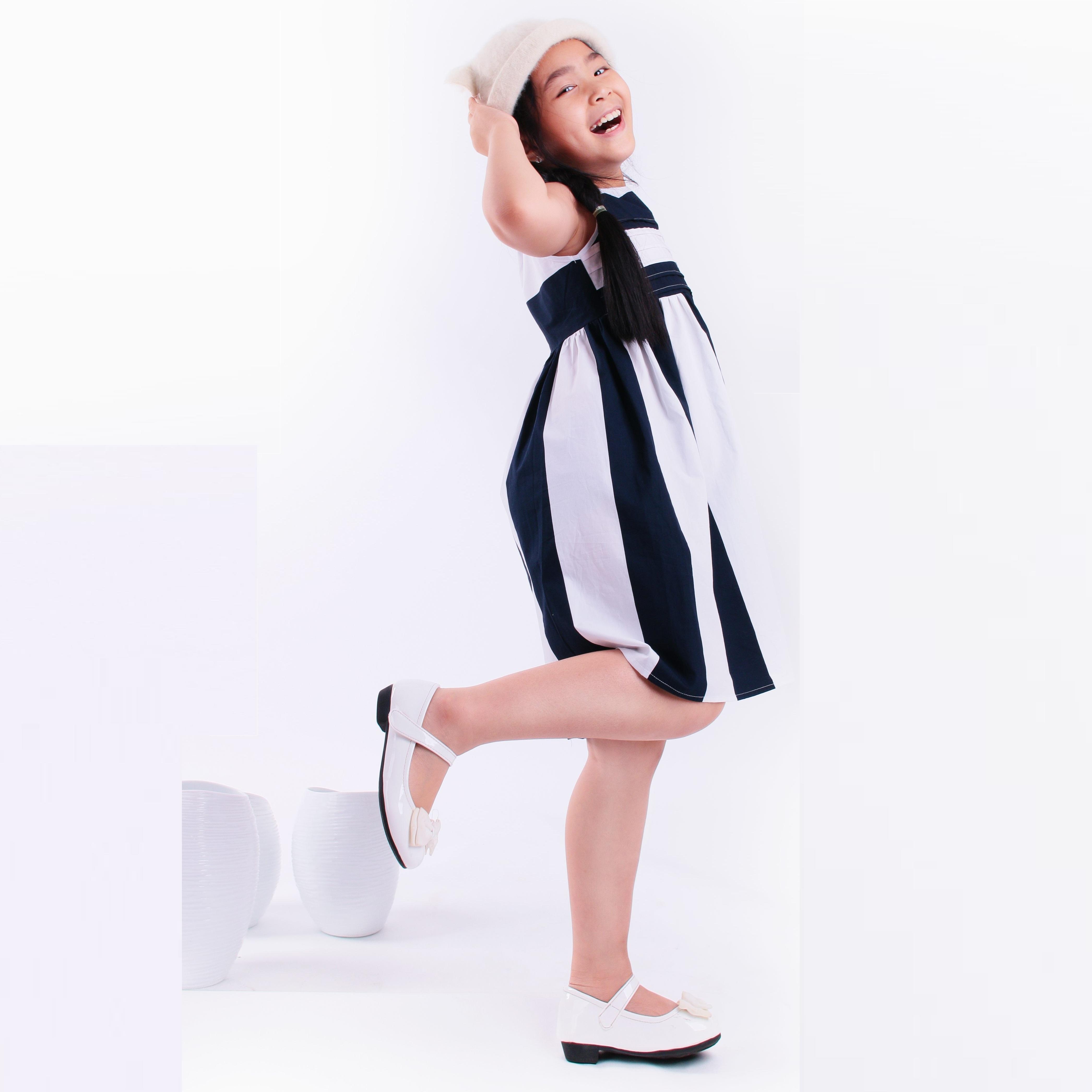UKID64 - Đầm bé gái