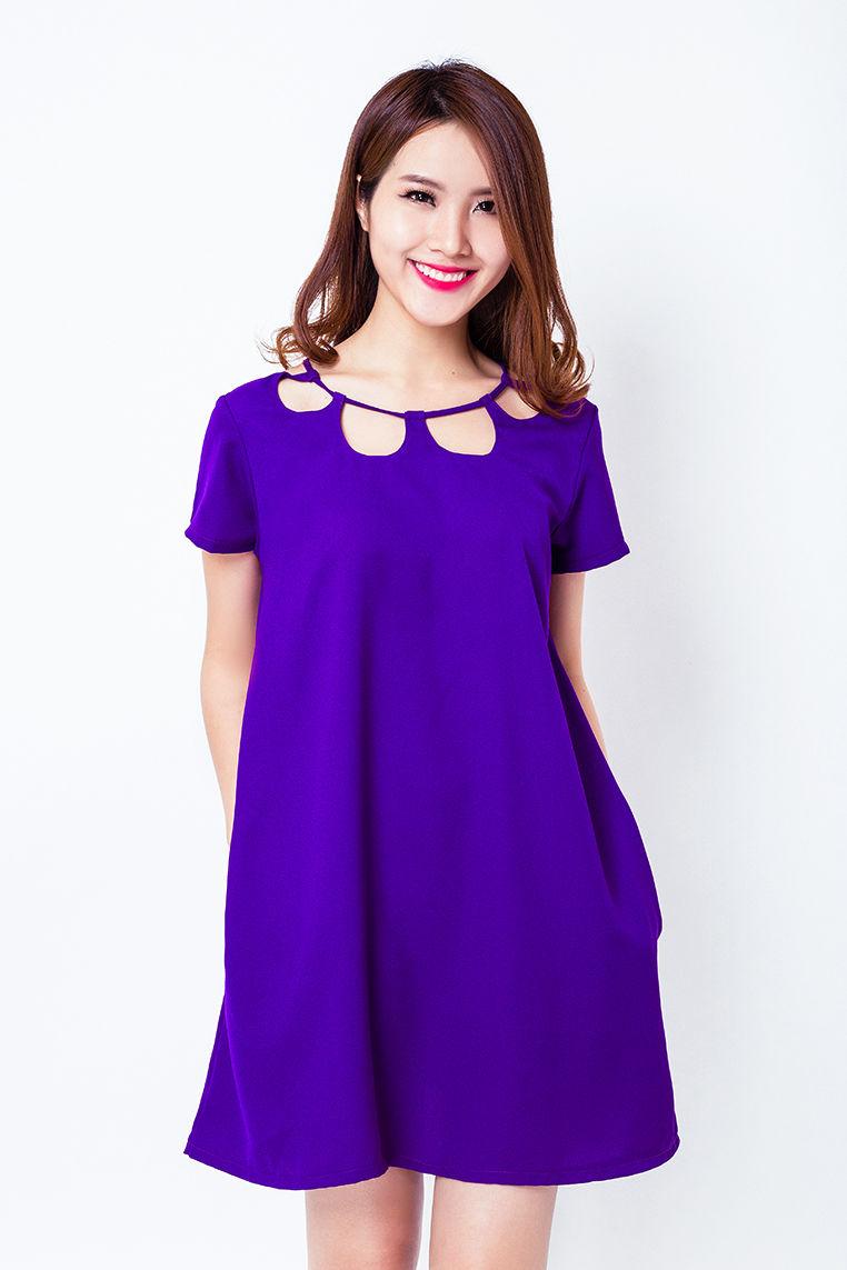 Đầm oversize cổ cách điệu sang trọng