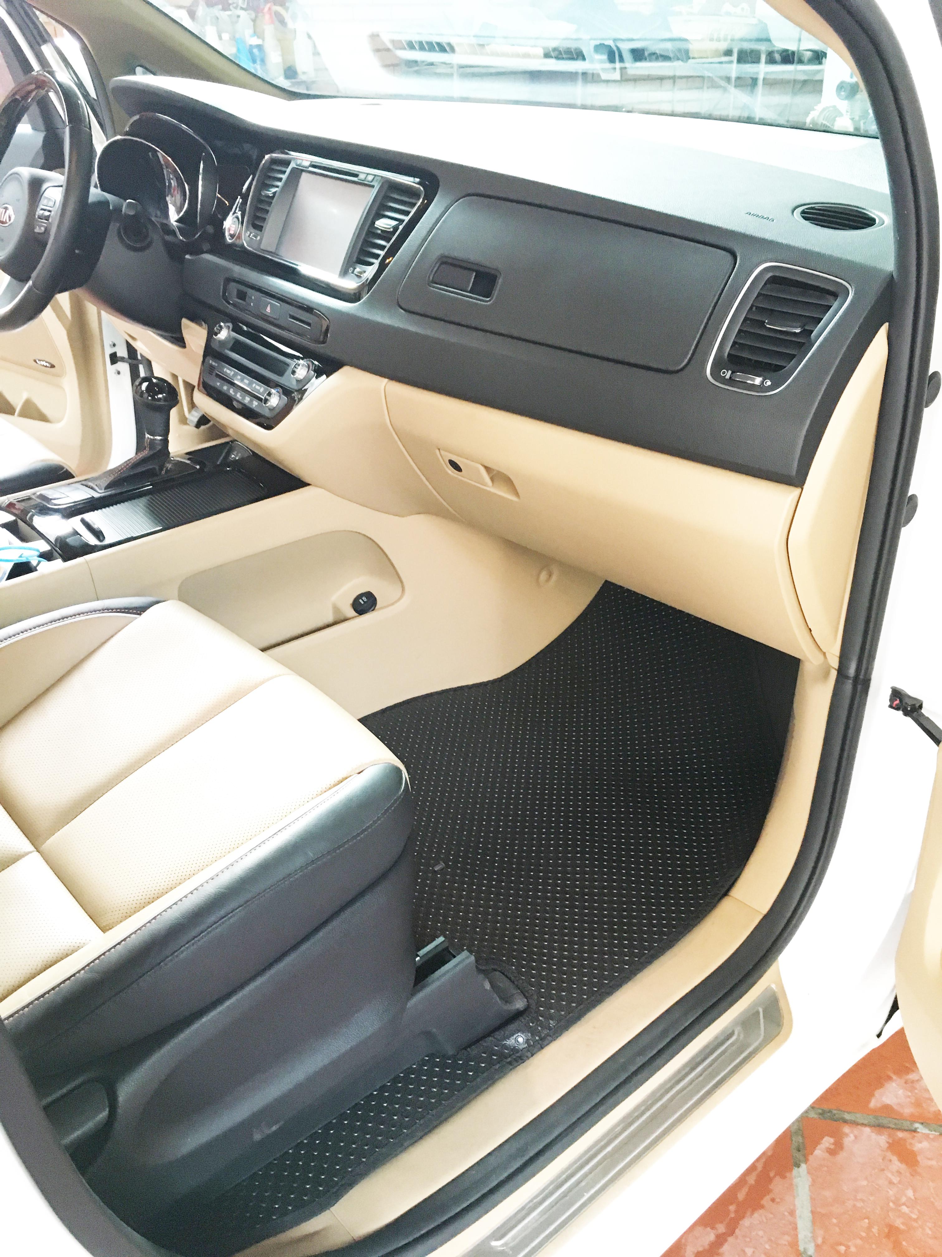 Thảm lót sàn ô tô Kia Sedona (Black)