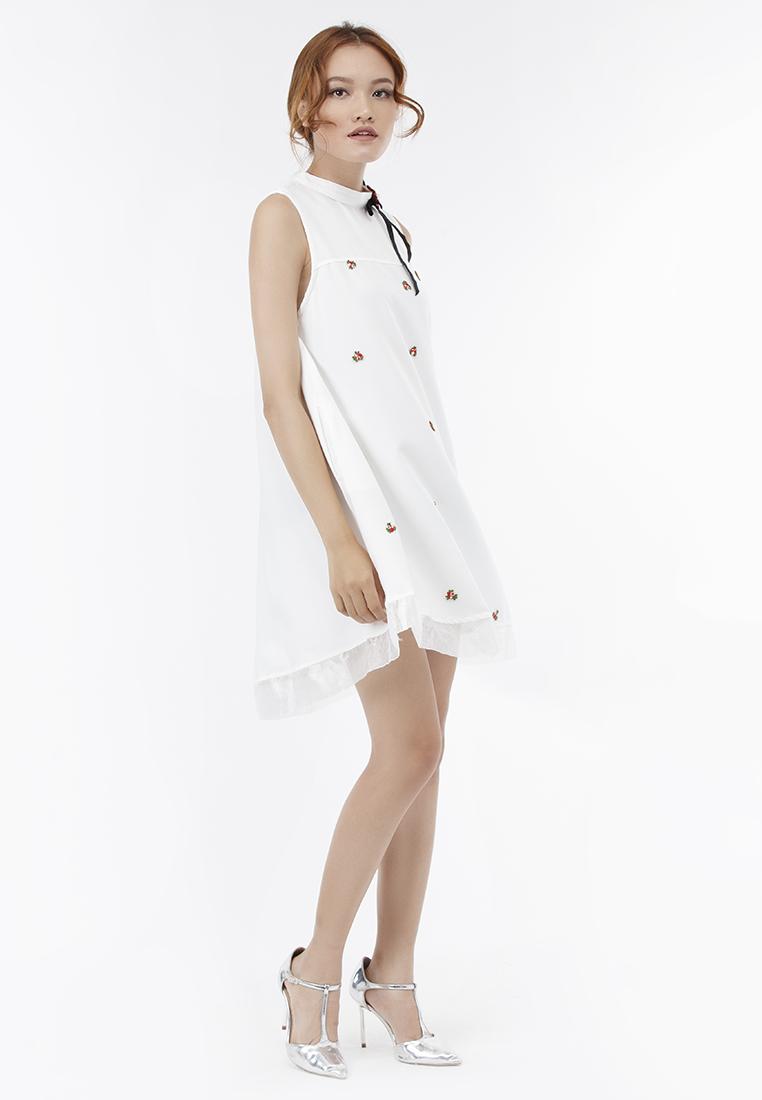 Đầm suông Amun cổ trụ màu trắng đính hoa DX193-TRANG