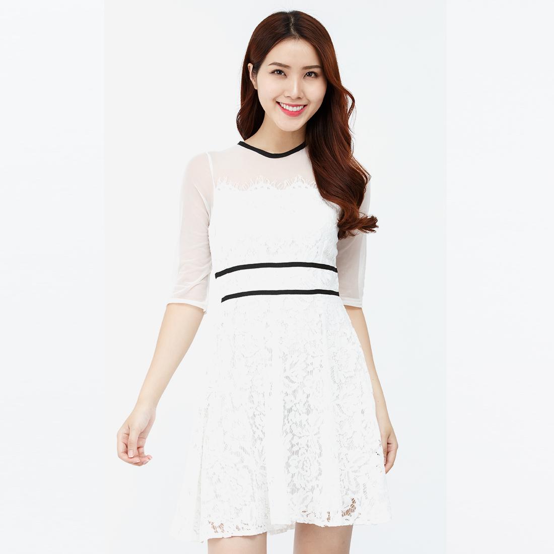 Đầm ren xòe Amun màu trắng DX185-TRANG