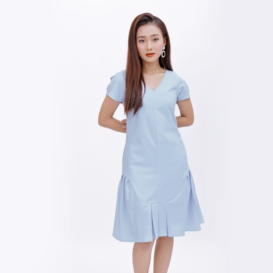 Đầm suông thời trang Eden cổ tim đuôi cá – D372