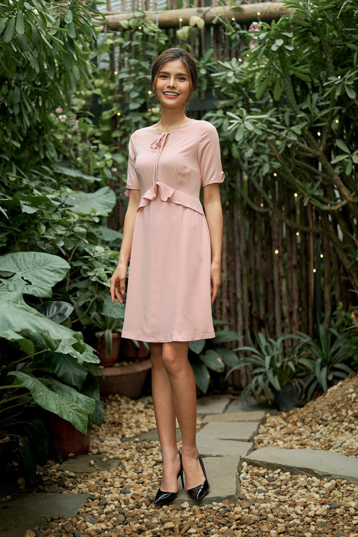 Đầm liền màu hồng HeraDG – SDC18068
