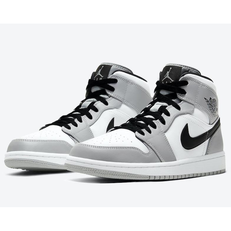 Phân biệt giày Nike chính hãng, thật kém chất lượng qua TEM