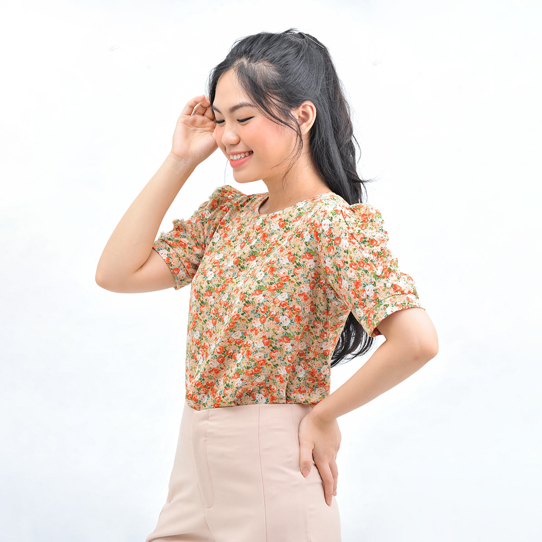 Áo kiểu nữ thời trang Eden dáng suông họa tiết hoa cổ tròn đính hạt – ASM121