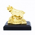 Quà tặng tết Kỷ Hợi ý nghĩa: Tượng heo phong thuỷ mạ vàng - 12CGL