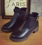 Giày chelsea boots nữ có đai Rozalo RW3758B-Đen