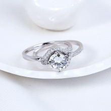 Nhẫn bạc Ula Love