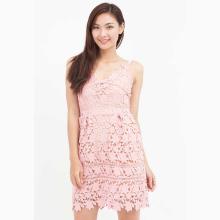 Đầm ren Amun hai dây màu hồng DX127-HONG