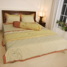 Bộ chăn drap gối cao cấp bọc màu thêu Thắng Lợi 160x200cm - SE (Vàng)