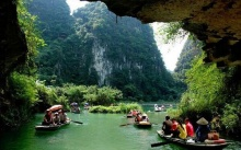 Tour du lịch chùa Bái Đính – Khu sinh thái Tràng An APT Travel