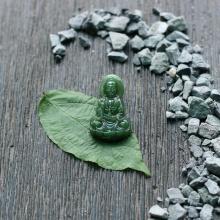 Phật bà Quan Âm đá ngọc bích 3.2x2.2
