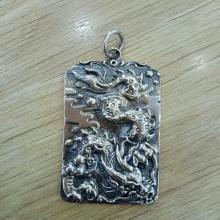 Mặt dây chuyền bạc nam chạm rồng Hadosa.1