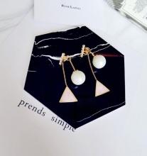 Bông tai pearl drop triangle Korean - Tatiana - BH2371 (Hồng)