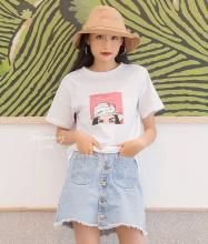 Áo thun in họa tiết cô gái hồng - AT180010