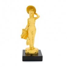 Quà tặng ngoại giao ý nghĩa: Tượng cô giái Việt Nam mạ vàng 24K