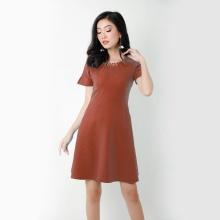 Đầm suông thời trang Eden cổ xếp ly kết hạt (nâu) - D267