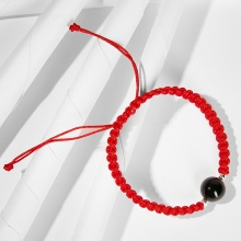 Vòng tay thắt dây đỏ đá thiên nhiên mang đến sự may mắn