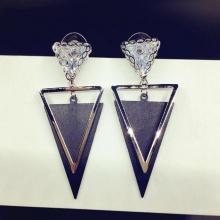 Bông tai Hàn Quốc tam giác đính đá - Tatiana - BH1086