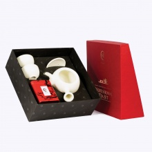 Bộ ấm trà sứ đối ẩm gồm trà ô long
