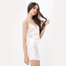 Đầm ngủ phi lụa Wannabe DN588 thoải mái, trẻ trung, đáng yêu chăm sóc giấc ngủ (Kem)