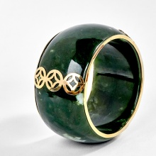 Vòng tay phong thủy đá ngọc bích bản lớn viền vàng 18k Ngọc Quý Gemstones