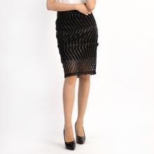Chân váy ôm lưới đắp da