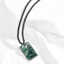 Mặt dây chuyền phong thủy đá băng ngọc thủy tảo vuông xanh lá Ngọc Quý Gemstones
