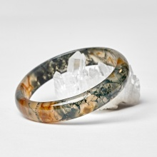 Vòng tay bằng đá băng ngọc thuỷ tảo huyết Ngọc Quý Gemstones