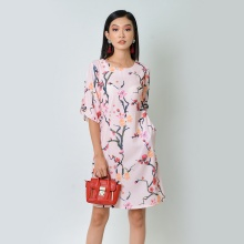 Đầm suông thời trang Eden tay cách điệu in họa tiết màu hồng - D367