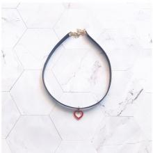 Vòng cổ choker da đính tim đỏ - Tatiana - CD2607