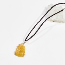 Dây chuyền phong thủy đá thạch anh tóc vàng mặt nữ hoàng hồ ly 9 đuôi 2.5cm mệnh thủy, kim - Ngọc Quý Gemstones