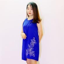 Đầm lụa nữ xẻ tà