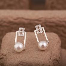 Opal -  Hoa tai bạc đính Ngọc trai sang trong - T9