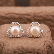 Opal -  Hoa tai bạc viền đá Ross đính Ngọc trai Opal - T9