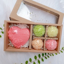 (Quà tặng Valentine và 8-3) - hộp xà phòng 5 hoa chùm