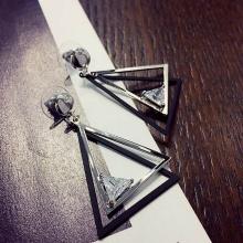 Bông tai Hàn Quốc tam giác đính đá -Tatiana - BH2520 (Bạc)