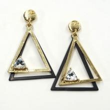 Bông tai Hàn Quốc tam giác đính đá -Tatiana - BH2520 (Vàng)