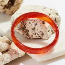 Vòng tay đá mã não đỏ bản mỏng dày 12mm Ni 63 mệnh hỏa thổ - Ngọc Quý Gemstones